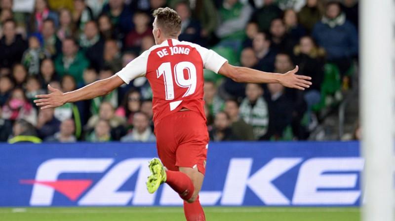 """""""Sevilla"""" uzbrucējs Lūks de Jongs guva uzvaras vārtus derbijā. Foto: AFP/Scanpix"""