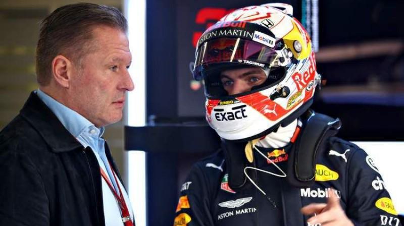 Joss Verstapens un viņa dēls Makss. Foto: Red Bull Racing