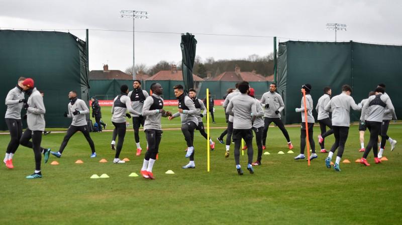 """""""Liverpool"""" treniņš vēl pirms sezonas apturēšanas. Foto: AFP/Scanpix"""