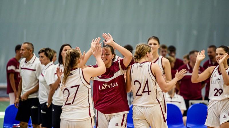 """Latvijas U14 """"baltā"""" komanda. Foto: Renārs Koris"""