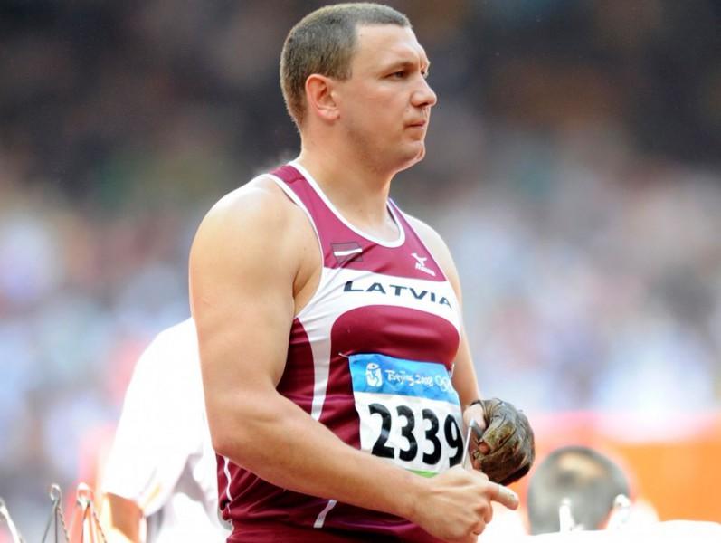 Sokolovam jauns Latvijas rekords - 80.14 metri