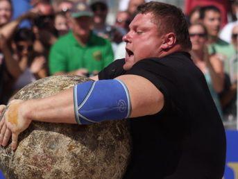 """""""The World's Strongest Man"""" finālā triumfē Židrūns Savicks"""