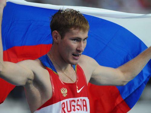 Krieviem dubultuzvara augstlēkšanā, čempions - Šustovs