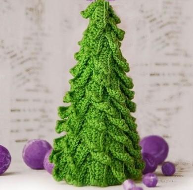 Tamborēta Ziemassvētku eglīte
