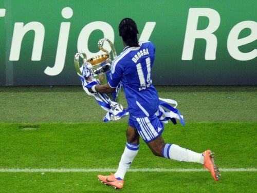 """Dramatiskā finālā """"Chelsea"""" uzvar un pirmo reizi triumfē Čempionu līgā"""
