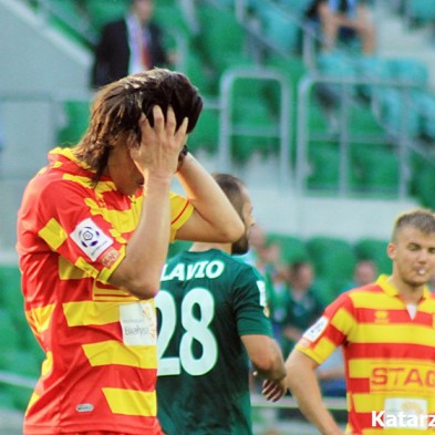 Tarasovam noraidījums astotajā minūtē, komandai 1:5 Krakovā
