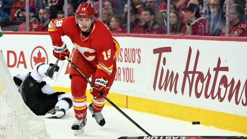 """""""Flames"""" ne bez problēmām pieveic pastarīti """"Flyers"""" un paliek Rietumu konferences virsotnē"""