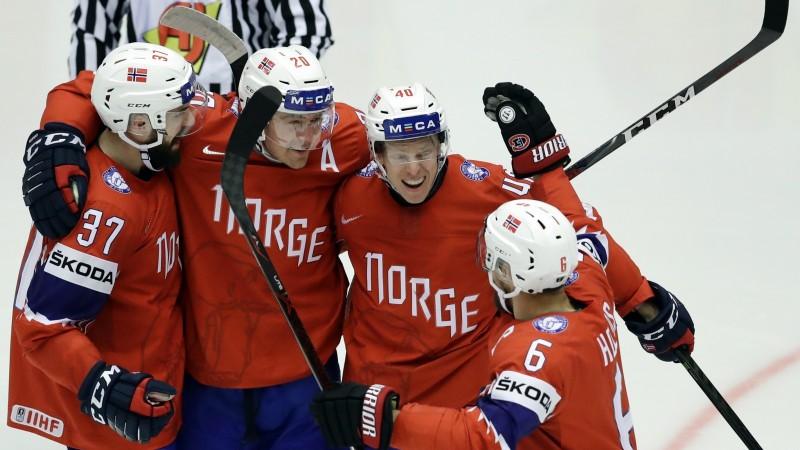 Aizraujošā cīņā norvēģi uzvar pēcspēles metienos, Vācija joprojām bez panākumiem