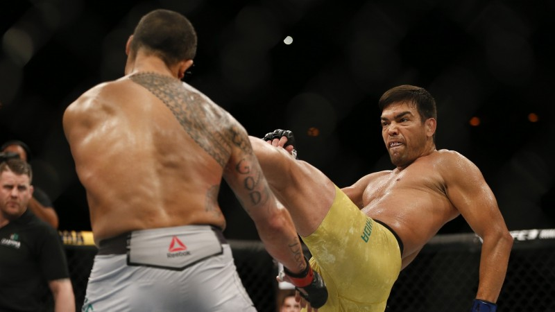 Mačidam iespaidīgs nokauts pret Belfortu, Nunjesa nosargā UFC titulu