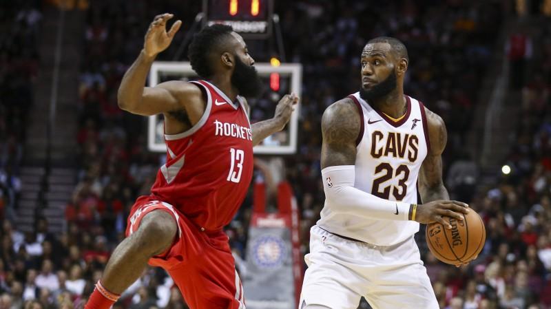 NBA vērtīgākā spēlētāja balvai izvirza Hārdenu, Džeimsu un Deivisu