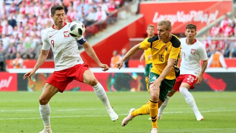 Pēdējās pārbaudēs pirms PK Japāna pieveic Paragvaju, Polija grauj Lietuvu