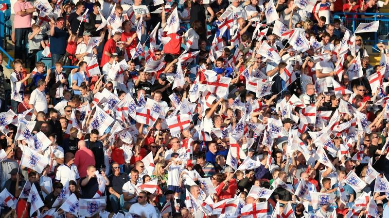 Vairāk kā 1200 angļu futbola faniem aizliedz doties uz Krieviju un apmeklēt PK spēles