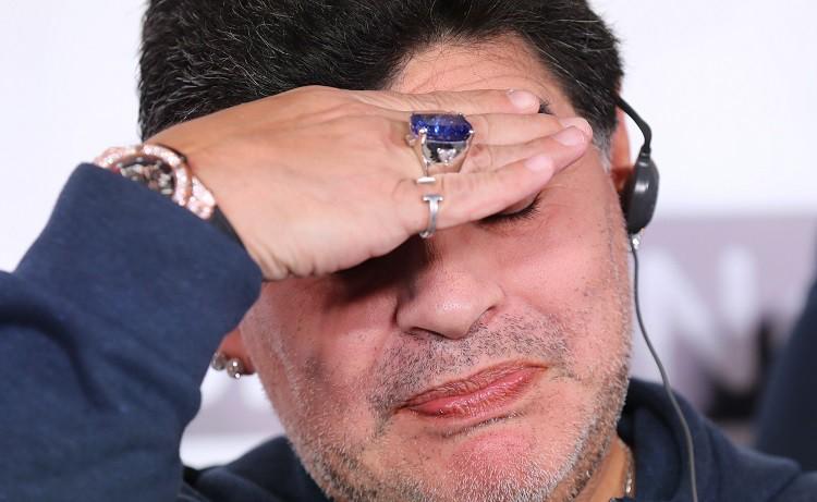 Maradona Latvijas kaimiņzemē - cēli mērķi vai 20 miljonu vilinājums?