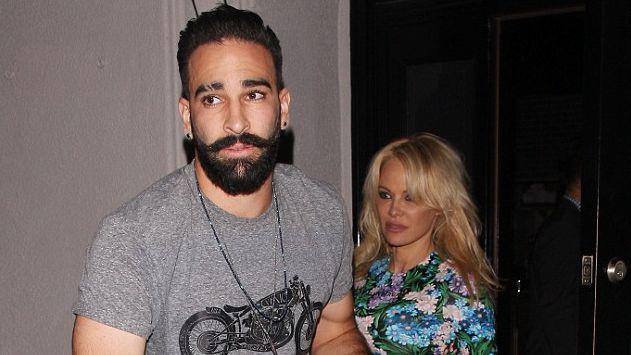 Pamela Andersone pametusi franču futbola zvaigzni Ramī
