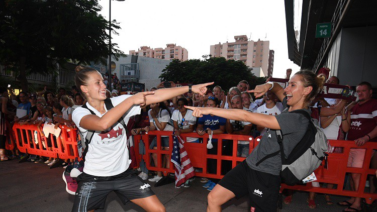 "Olimpiskā čempione Taurasi: ""Latvietes spēlē nestandarta basketbolu"""