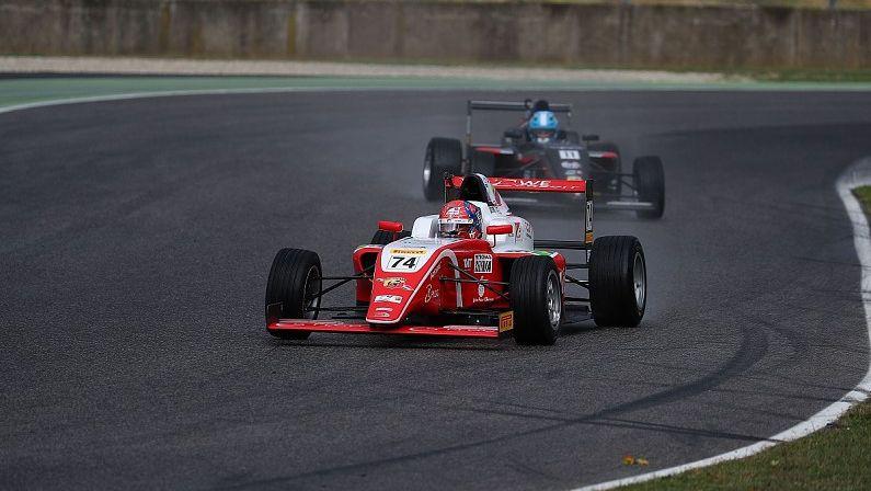 """""""Ferrari"""" nolīgtais Fitipaldi izcīna Itālijas F4 titulu un sāk ceļu uz F1"""