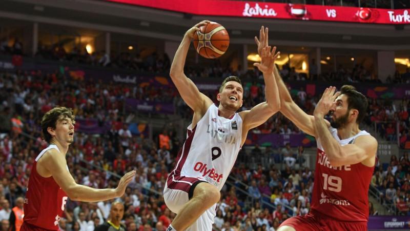 Latvija ar Bertānu ierindā par uzvaru pret Eiropas čempioni