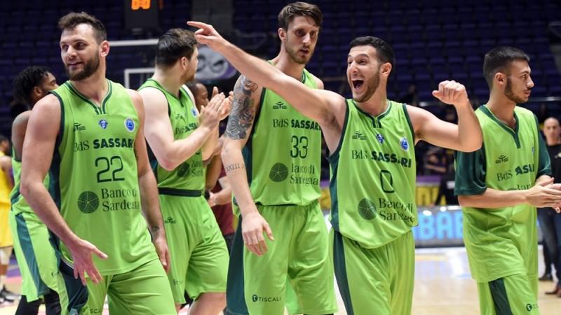 """Sasāri """"Dinamo"""" uzvar arī otrajā finālspēlē un pirmoreiz triumfē FIBA Eiropas kausā"""