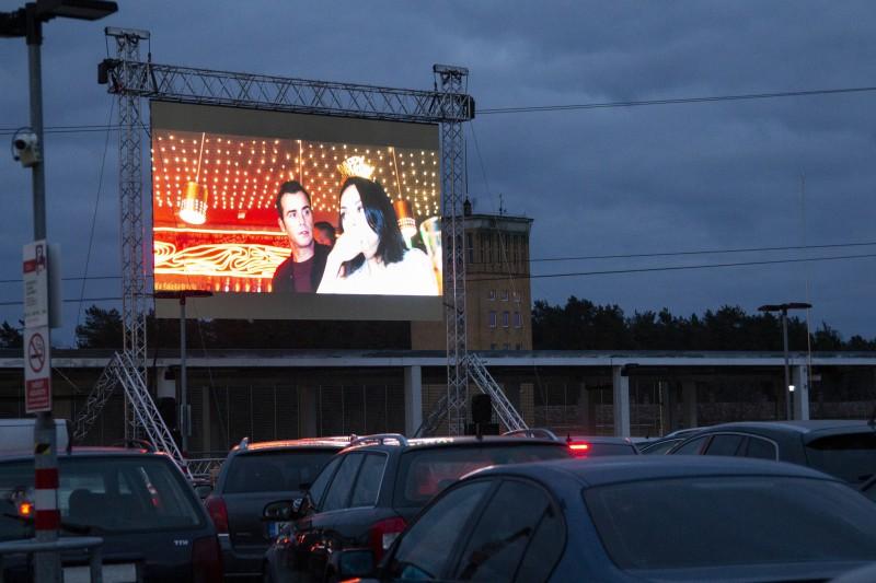 Atklāta jaunā sezona brīvdabas kino vakariem uz jumta