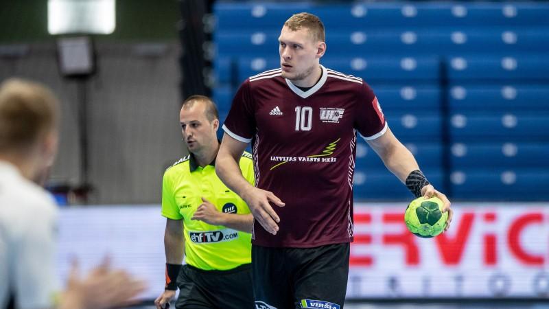 Uz finālturnīru cerošā Latvijas handbola izlase Valmierā uzņem Igauniju
