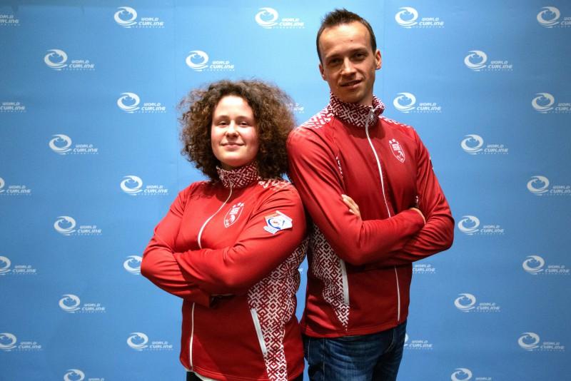 Jaukto pāru pasaules kērlinga čempionātu Latvija uzsāk ar uzvaru