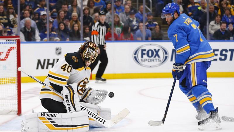 """Duelis par Stenlija kausu: """"Bruins"""" pret nekad neuzvarējušo """"Blues"""""""