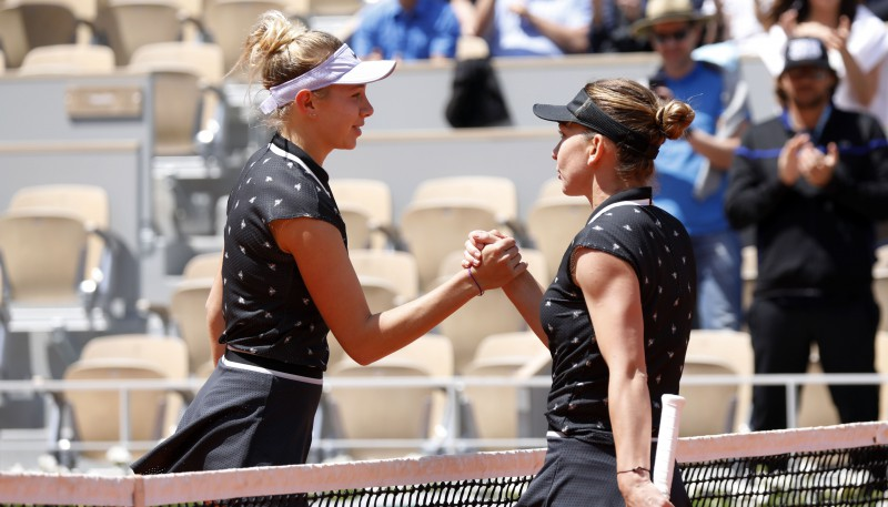 "17 gadus vecā Aņisimova sakauj ""French Open"" čempioni Halepu"