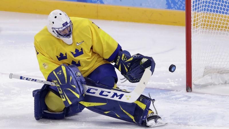 """Zviedrs Enrūts atgriežas un aizvadīs trešo sezonu Minskas """"Dinamo"""" rindās"""