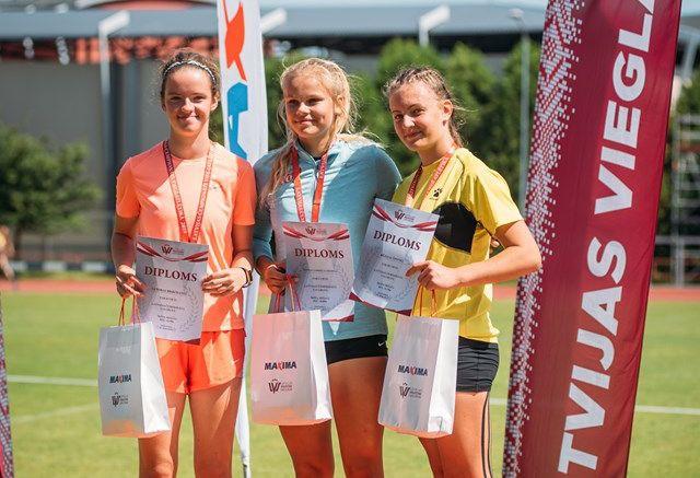Lieliskā Ziemiņa valsts čempionātā pārliecinoši labo Latvijas rekordu šķēpa mešanā