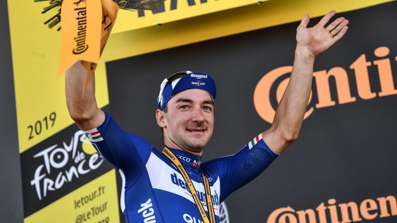 """""""Quick Step"""" turpina dominēt """"Tour de France"""", Skujiņam finišs peletonā un 44. vieta"""