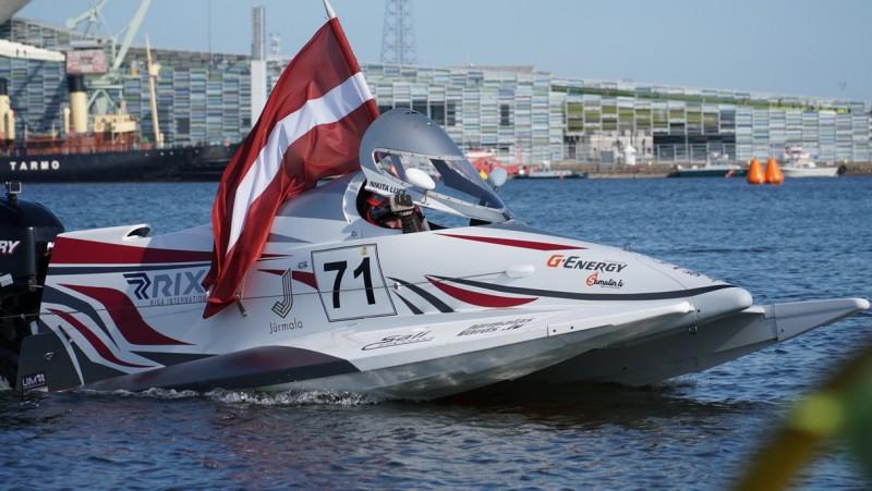 Ņikita Lijcs iesaistās cīņā par pasaules čempiontitulu ātrumlaivās