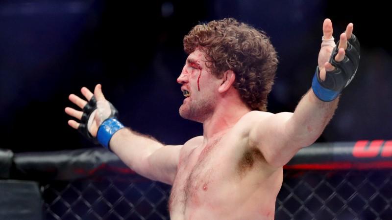 Askrens pēc diviem zaudējumiem UFC noslēdz savas cīkstoņa gaitas