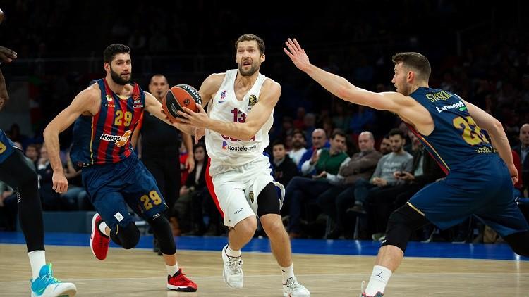 Strēlnieka lieliskā spēle neglābj CSKA no pēdējo minūšu fiasko Vitorijā