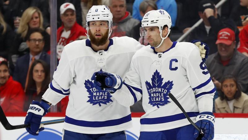 """Pārtrūkst Makdeivida rezultativitātes sērija, """"Maple Leafs"""" turpina baudīt dzīvi bez Bebkoka"""
