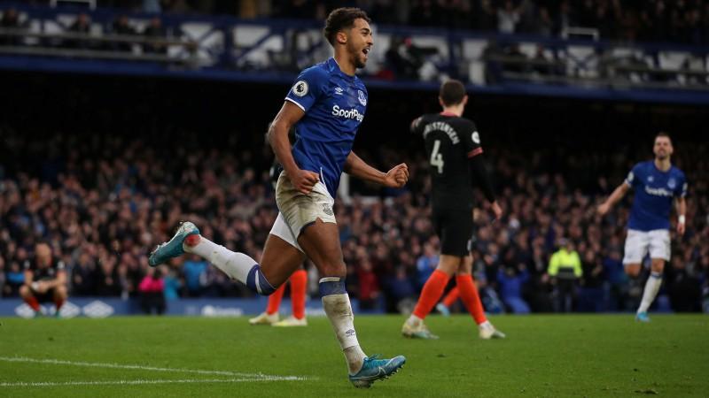 """Par vietas saglabāšanu spēlējošā """"Everton"""" pārliecinoši uzvar """"Chelsea"""""""