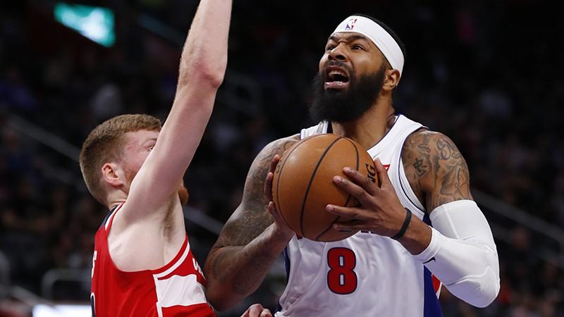 """Ar Bertānu kašķi meklējušais Moriss tiek izpirkts un plāno doties uz """"Lakers"""""""