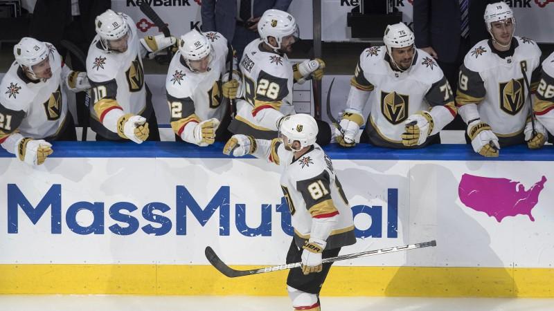 """""""Golden Knights"""" un """"Flyers"""" uzvar miniturnīros un Stenlija kausā tiks izsētas ar pirmo numuru"""