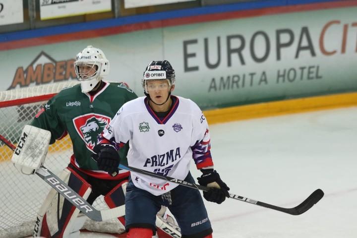 Uzvaras Latvijas hokeja līgā svin ''Liepāja'' un HS ''Rīga''