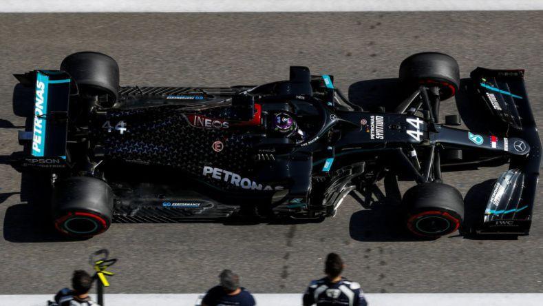 """F1 tiesnesis: """"Tas, ko saka Hamiltons, nav patiesība"""""""