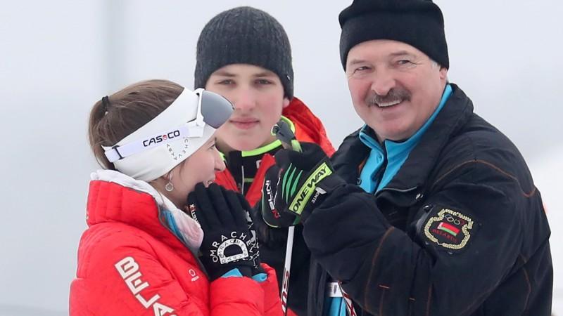 Minskā uz ielas aizturēts un piekauts olimpiskās čempiones Domračevas brālis