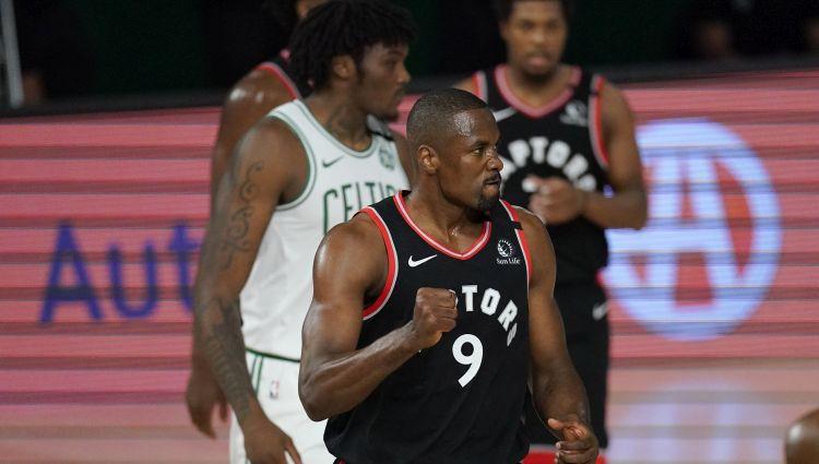 Ibaka pastiprina ''Clippers'' grozu apakšu, Noels - ''Knicks''