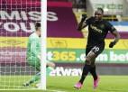 Antonio divi vārti sekmē ''West Ham'' atspēlēšanos; Eirokausu cīņa saasinās