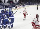 """Tampa iemet sešus vārtus, """"Islanders"""" panāk izlīdzinājumu sērijā pret Bostonu"""