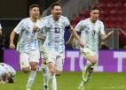 Vārtsargs Martiness atvaira trīs 11 metru sitienus, ievedot Argentīnu un Mesi finālā