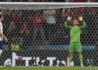 Anglijas FA par angļu fanu izdarībām pusfinālā saņem 30 tūkstošu eiro sodu