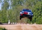 Grjazins avarē un nobloķē ceļu, Rovanpera tuvu pirmajai WRC uzvarai