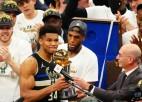 "Fināla MVP Adetokunbo ar 50+14 sagādā ""Bucks"" otro NBA čempiontitulu"