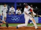 Japānas beisbolisti olimpiskajā grandu duelī papildus īningā pieveic ASV