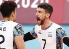 Argentīna piecos setos pārspēj vicečempioni Itāliju, pēc 21 gada iekļūstot pusfinālā