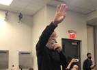 """Video: Letermans ierodas """"Nets"""" preses konferencē un izvaicā Durentu"""